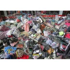 回收库存服装,衣服 ,布料 服装尾货