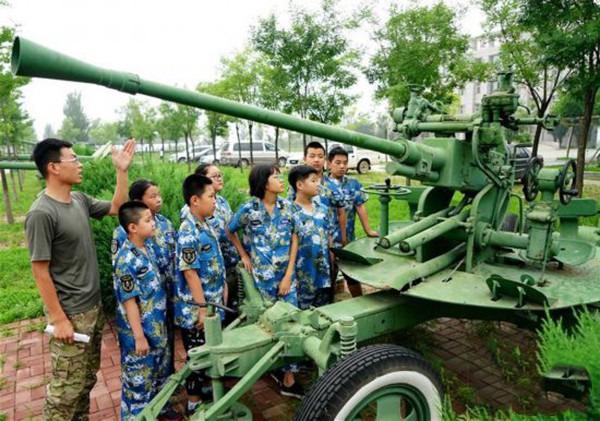 泉州军事拓展基地 开动可打炮坦克模型出租 飞机模型批发厂家