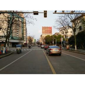 燈塔街與城東路交叉路口的廣告位投放