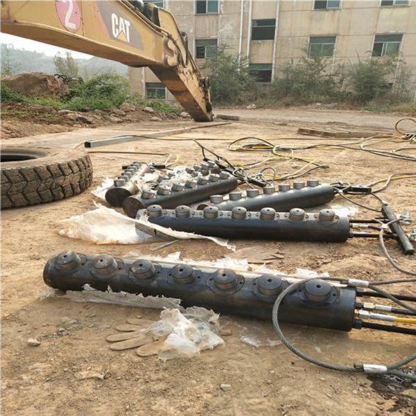 黑河硬石頭靜態拆除撐裂機使用效果
