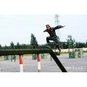 军用400米障碍厂家 400米障碍器材独木桥