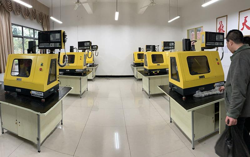 桌上型迷你CNC工具机
